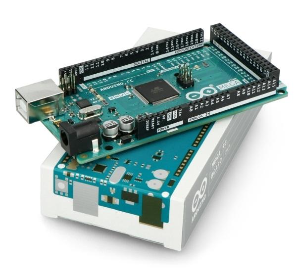 ArduinoMega -jedna z najbogatszych wersji.
