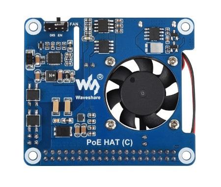 Nakładka posiada wentylator, który efektywnie ochładza Raspberry Pi.