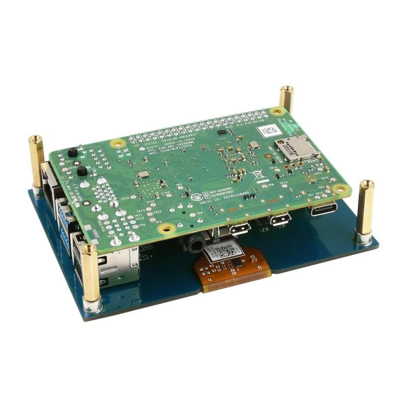 Ekran w formie nakładki do Rapsberry Pi. Minikomputer należy zakupić osobno.