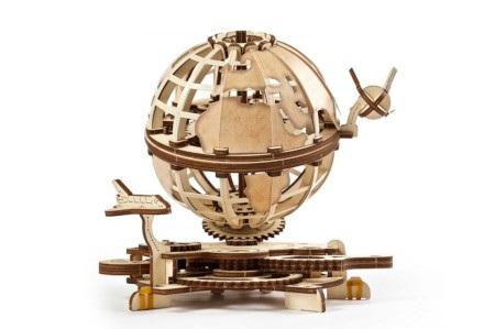 Modelu globu ziemskiegow oryginalnej stylistyce to świetny pomysł na wyjątkowy prezent dla każdego.